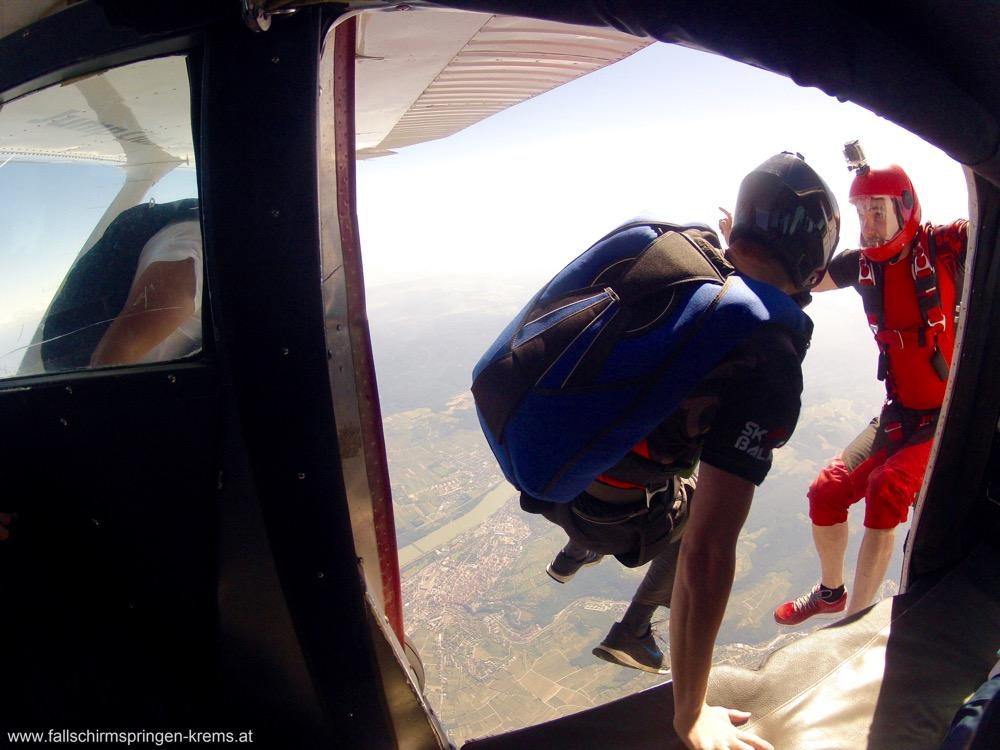 Fallschirmspringen Krems